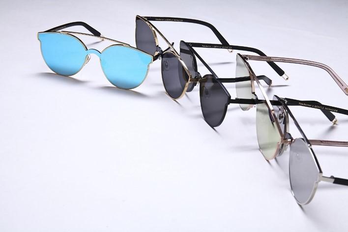 色眼鏡で見るの本当の意味とは?...